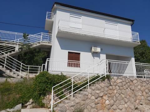 Kuća u prvom redu sa plažom i vezom
