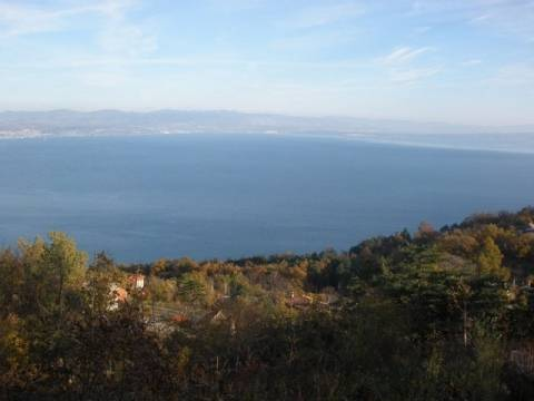 Lovran, zemljište s izvanrednim pogledom na more i Kvarner, 1057 m2