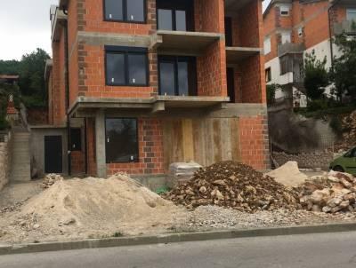 Dramalj, samostojeća kuća 650m2, 650.000 eur/kn