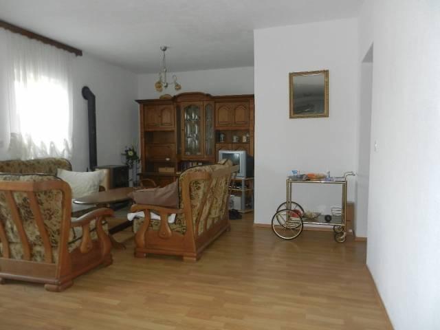 Vodice, Haus 283,59m2, 4 Wohnungen, Garage 20m2, Haus | Domus Immobilien  Vodice