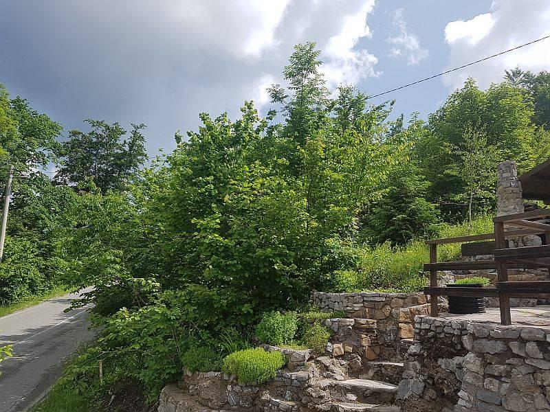 Gorski kotar, Stari Laz građevinsko zemljište PRILIKA !!