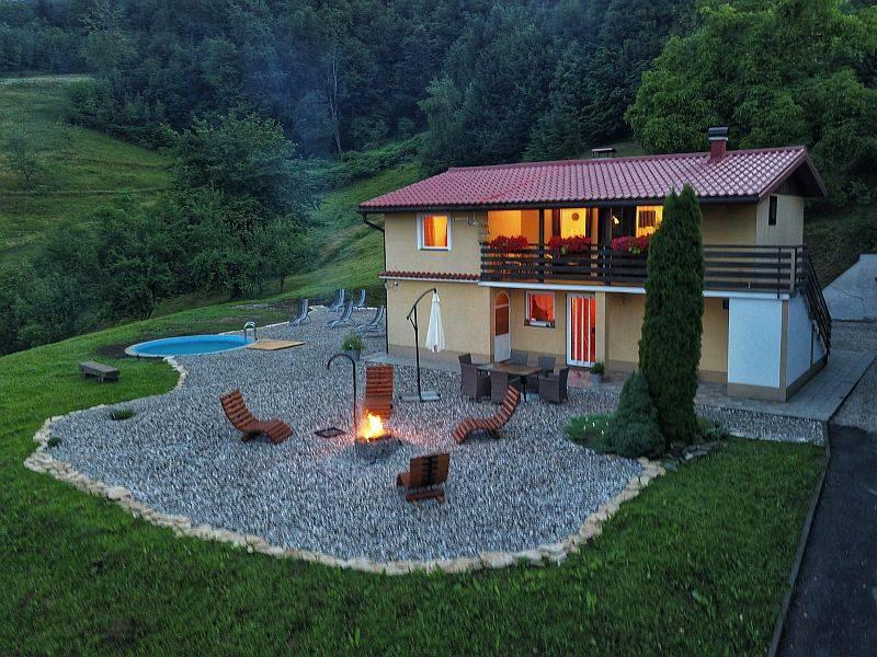 Gorski kotar, kuća sa bazenom