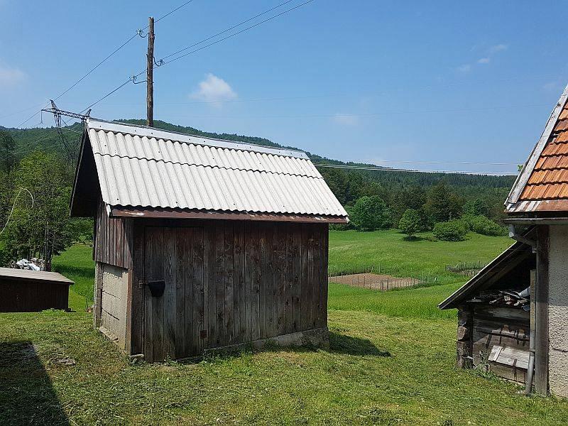 Gorski kotar, kuća sa okućnicom