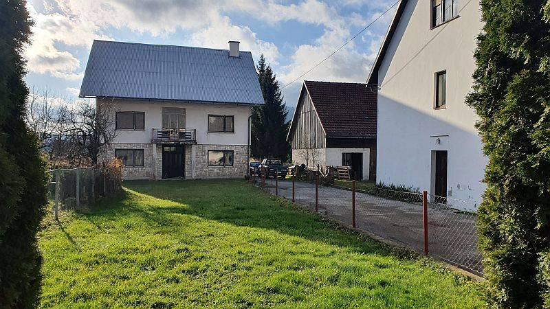Gorski kotar, Ravna Gora, kuća sa okućnicom