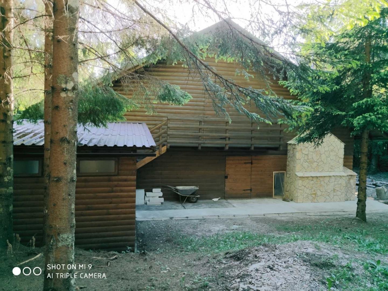 Gorski kotar, vikendica u šumi