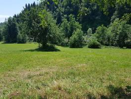 Gorski kotar, okolica Vrbovskog, kuća u blizini rijeke Dobre