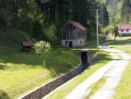 Gorski kotar, kuća sa okučnicom