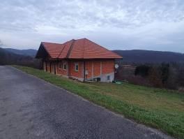 Gorski kotar, nova kuća sa okućnicom