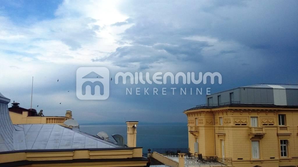 Opatija, kuća u centru Opatije, 50m od mora