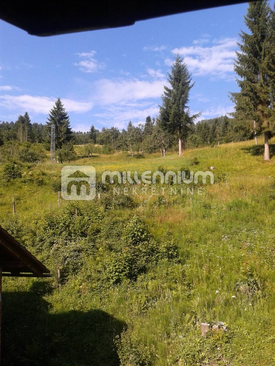 Gorski Kotar, Čabar, kuća od 240m2 uz rijeku Čabranku