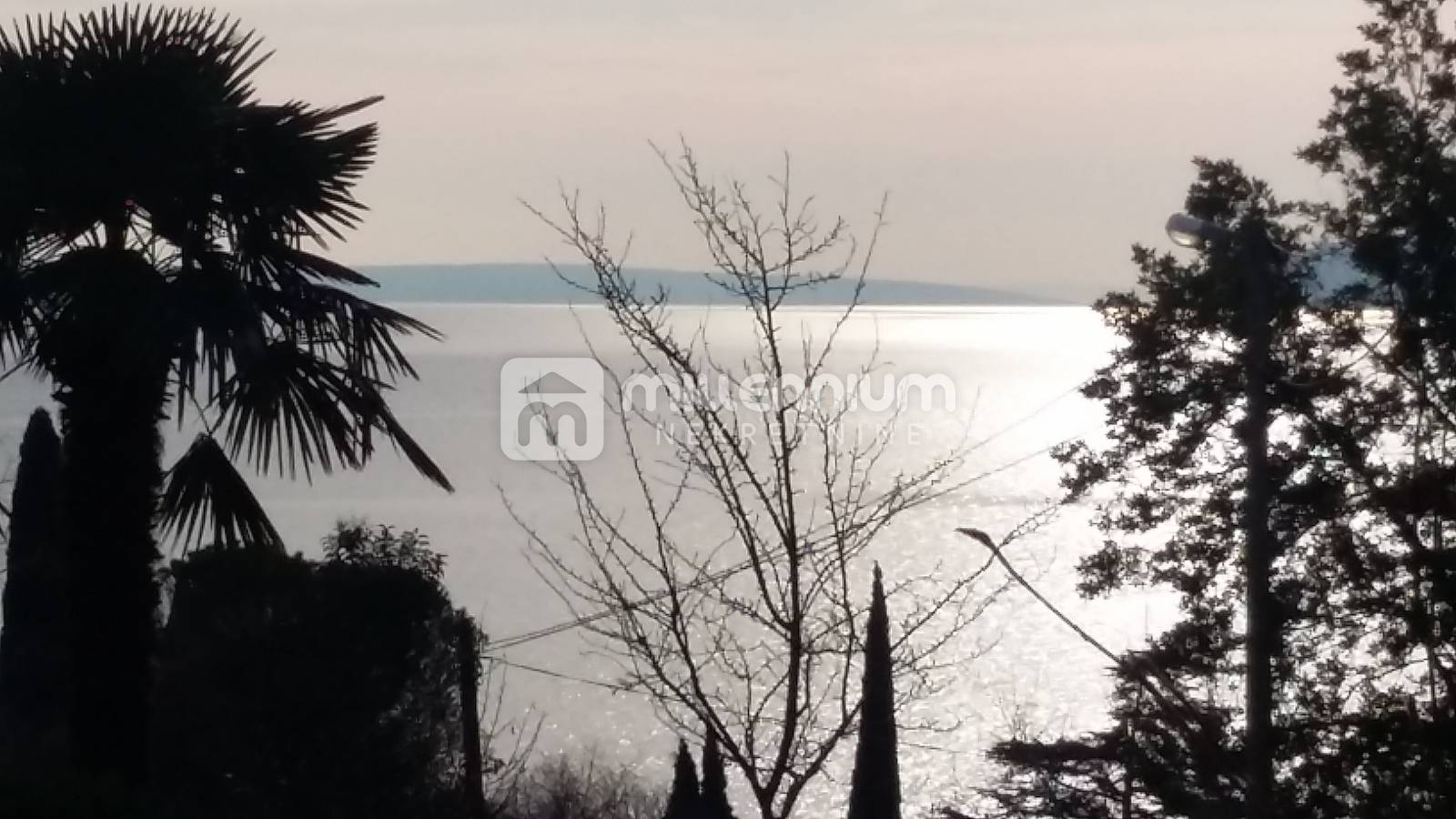 Lovran, samostojeća kuća 150m od mora