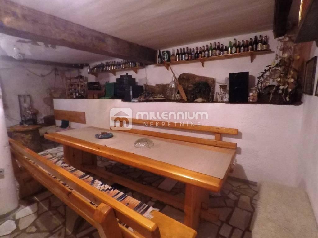 Matulji, 300m2, samostojeća kuća s okućnicom