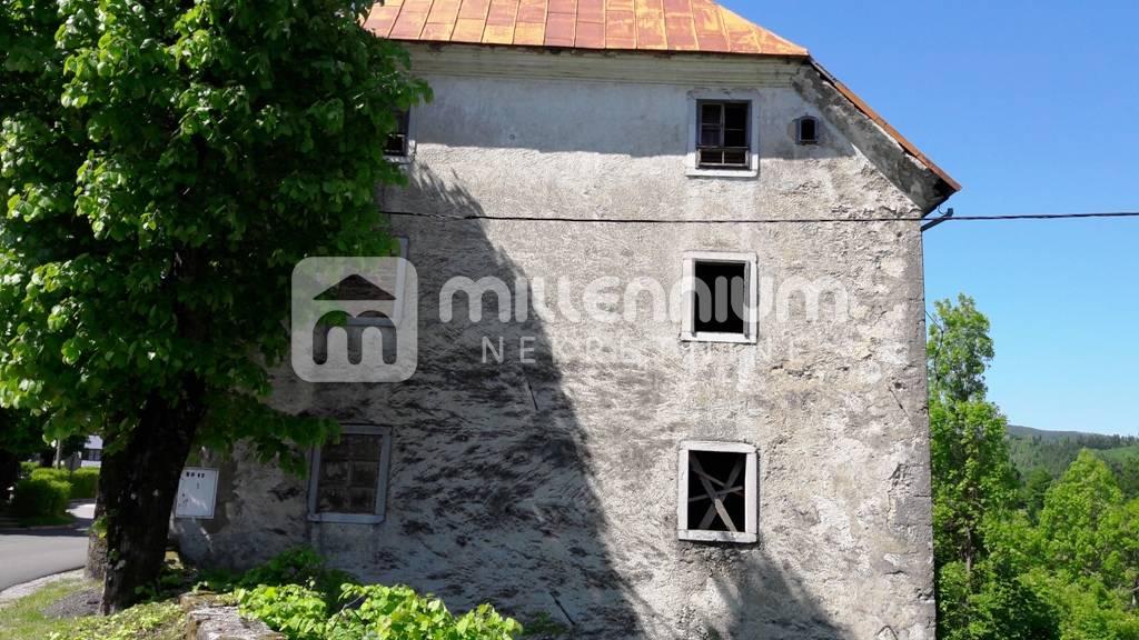 Gorski Kotar, Fužine, 1.100m2 povijesna kuća uz samo jezero