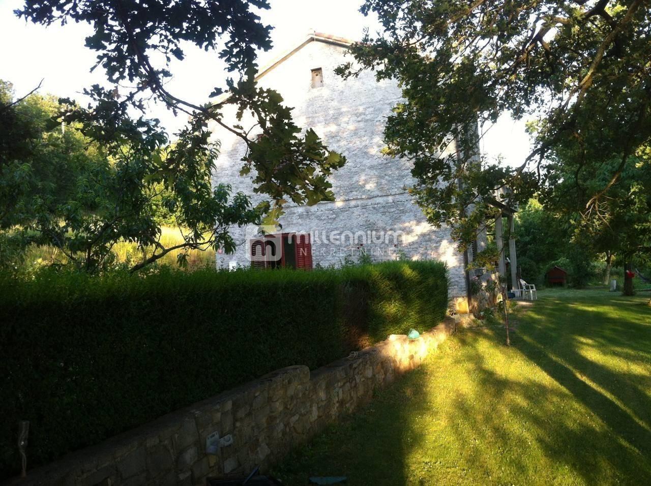 Istra, Dolenja Vas, prekrasno imanje