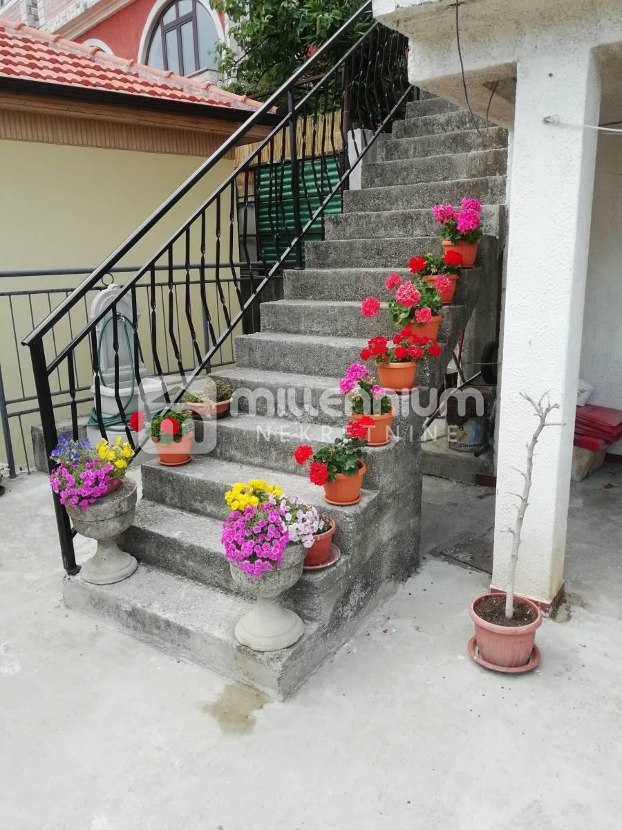 Rijeka, Zamet, etaža, 3-sobni stan s db, terasa, garaža