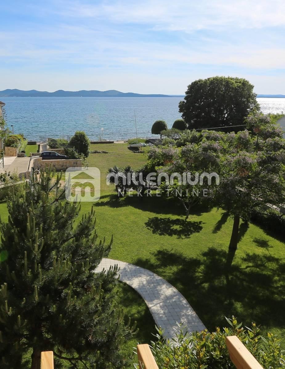 Zadar, fenomenalna kuća na obali mora