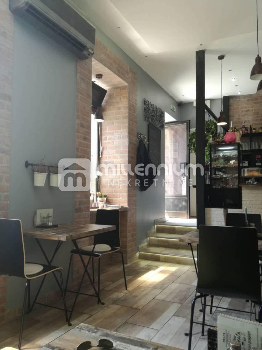 Rijeka, Banderovo, novouređen caffe bar