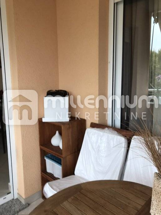Rijeka, Martinkovac, moderan 2-sobni stan s db i balkonom