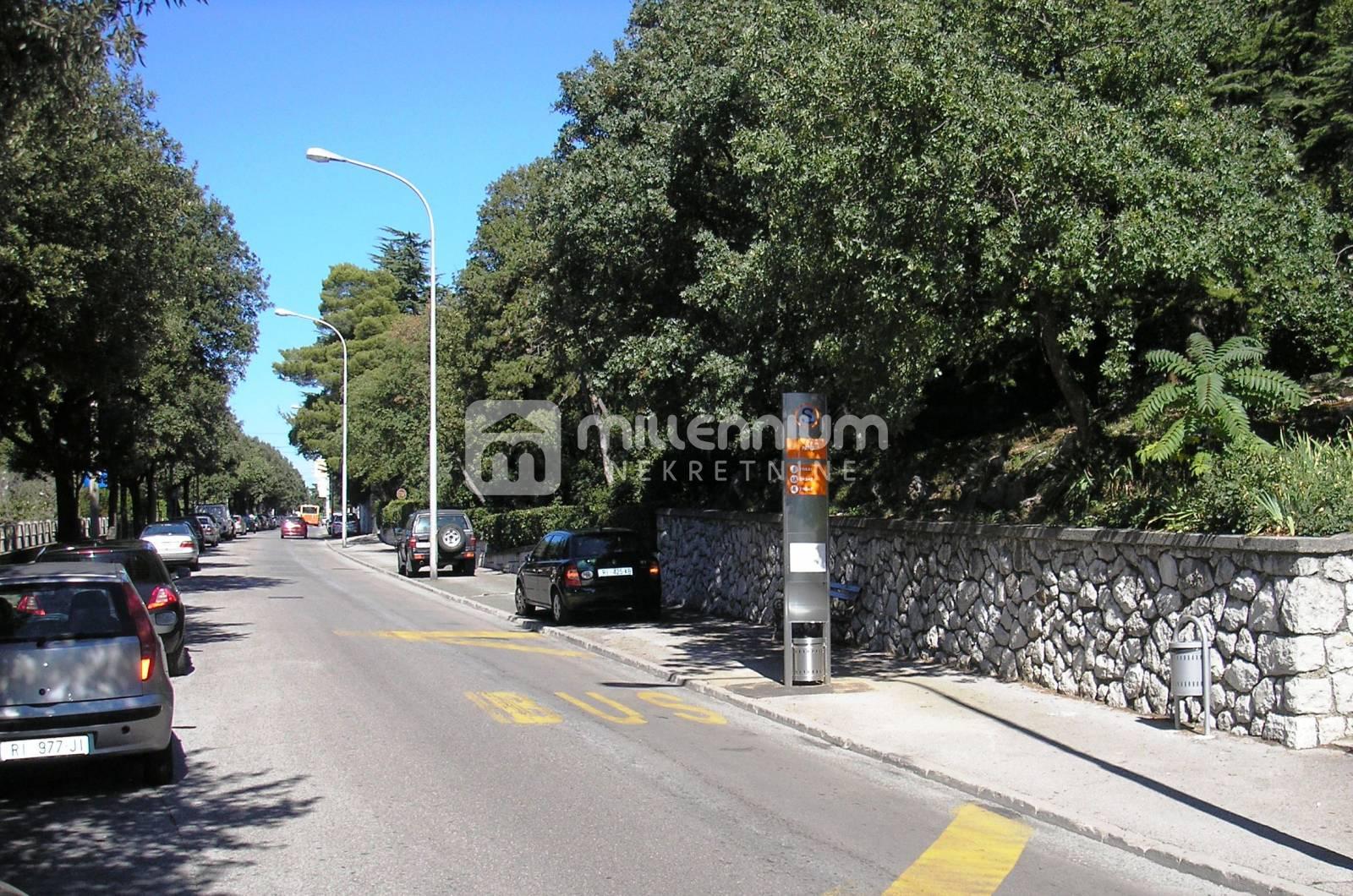 Rijeka, Bulevard, 65m2, 2-sobni stan