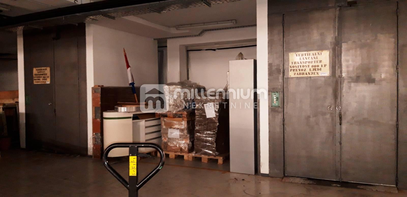 Rijeka, skladišno uredsko distribucijski prostor