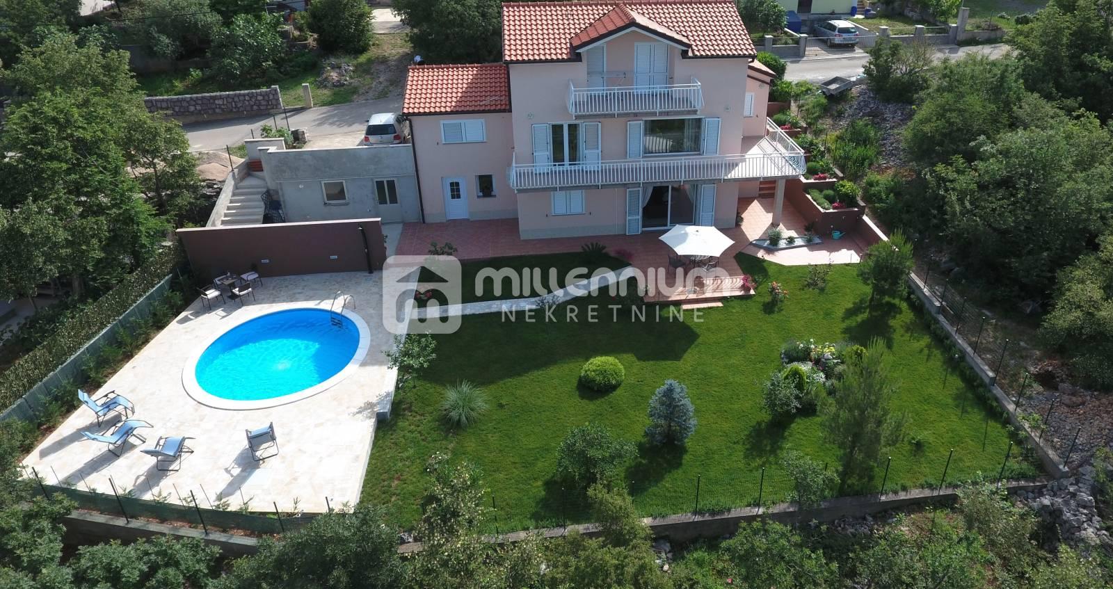 Crikvenica, Jadranovo, uređena kuća s bazenom