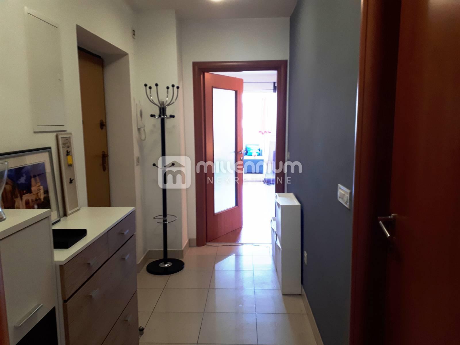 Kastav, Rubeši, namješten 1-sobni stan s db i balkonom