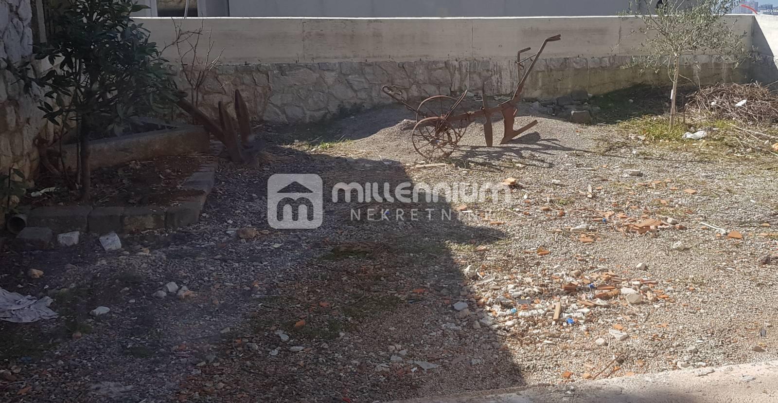 Rijeka, Donja Drenova, novogradnja, stan s okućnicom