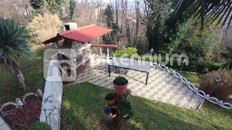 Bregi kod Opatije, kuća s bazenom