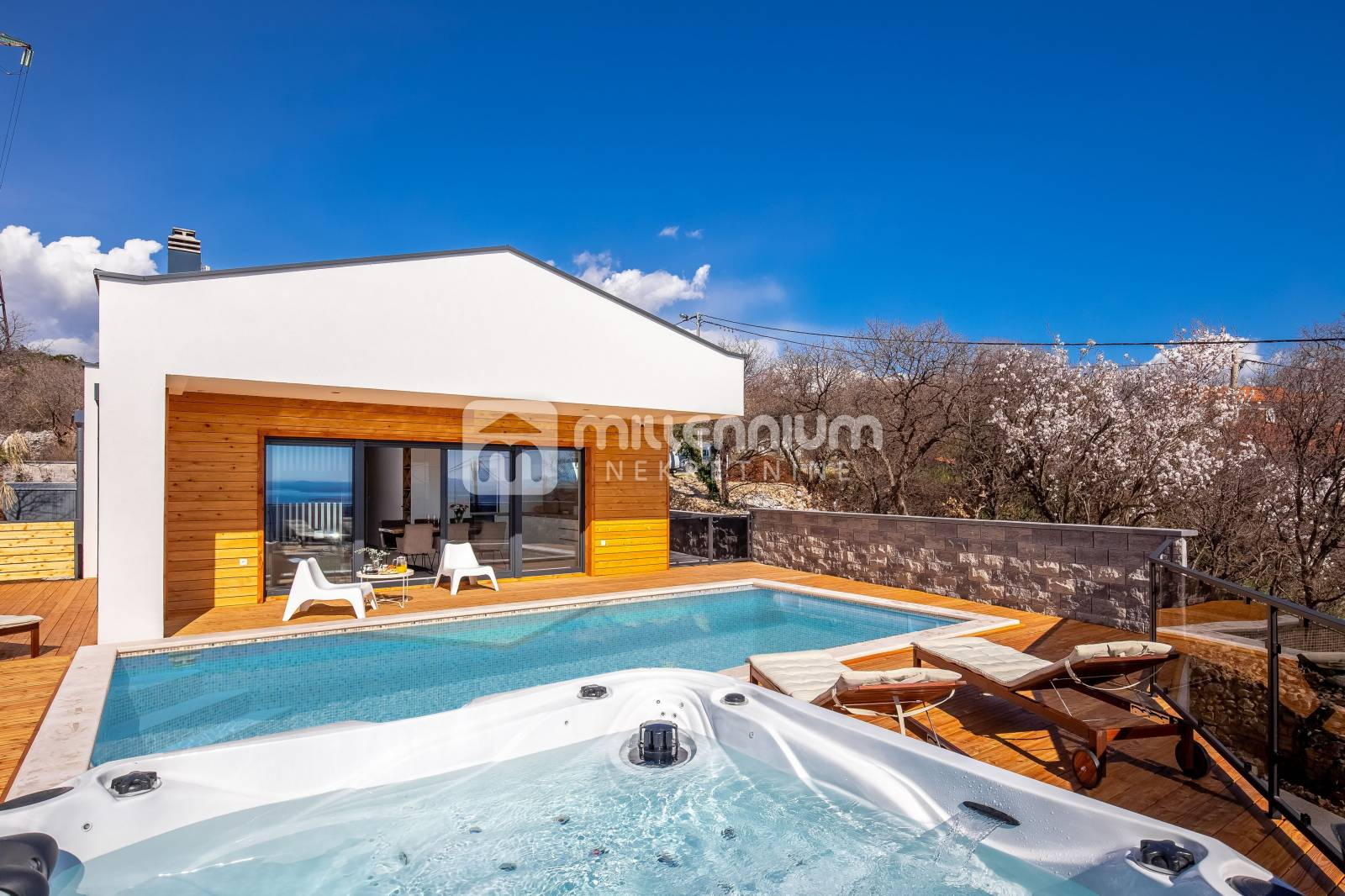 Kostrena, 115m2, kuća s bazenom