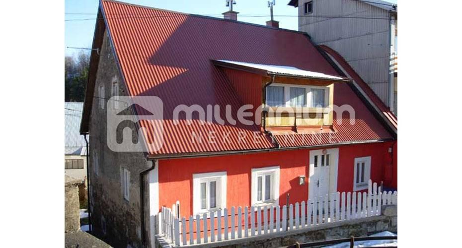 Gorski  kotar, adaptirana kuća u centru Fužina