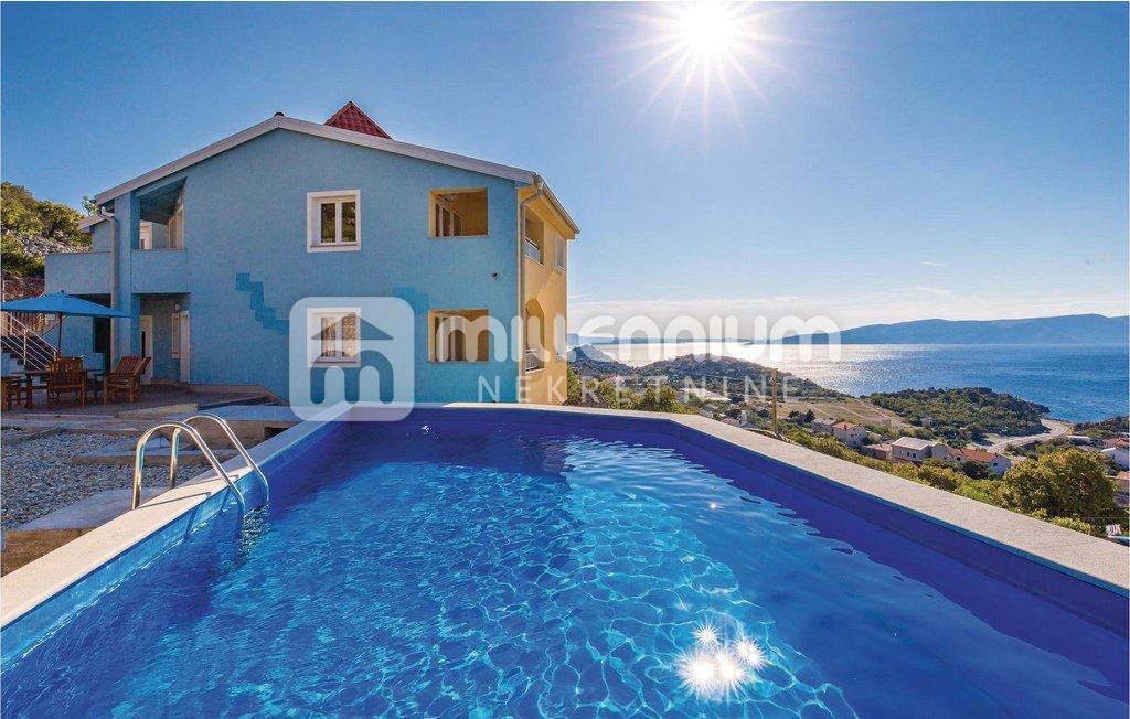 Sveti Juraj, kuća s bazenom i 7 apartmana