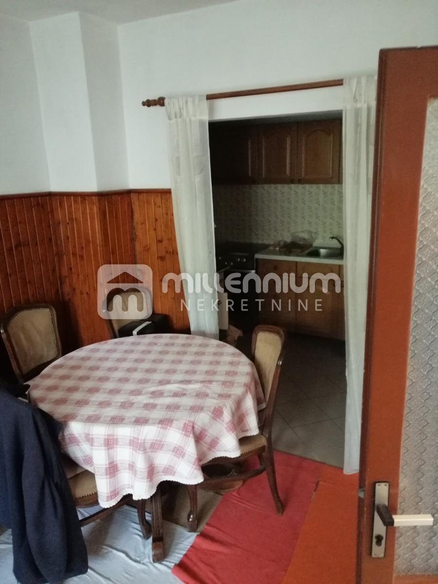 Rijeka, Svilno, etaža od 119.54m2 s okućnicom i garažom