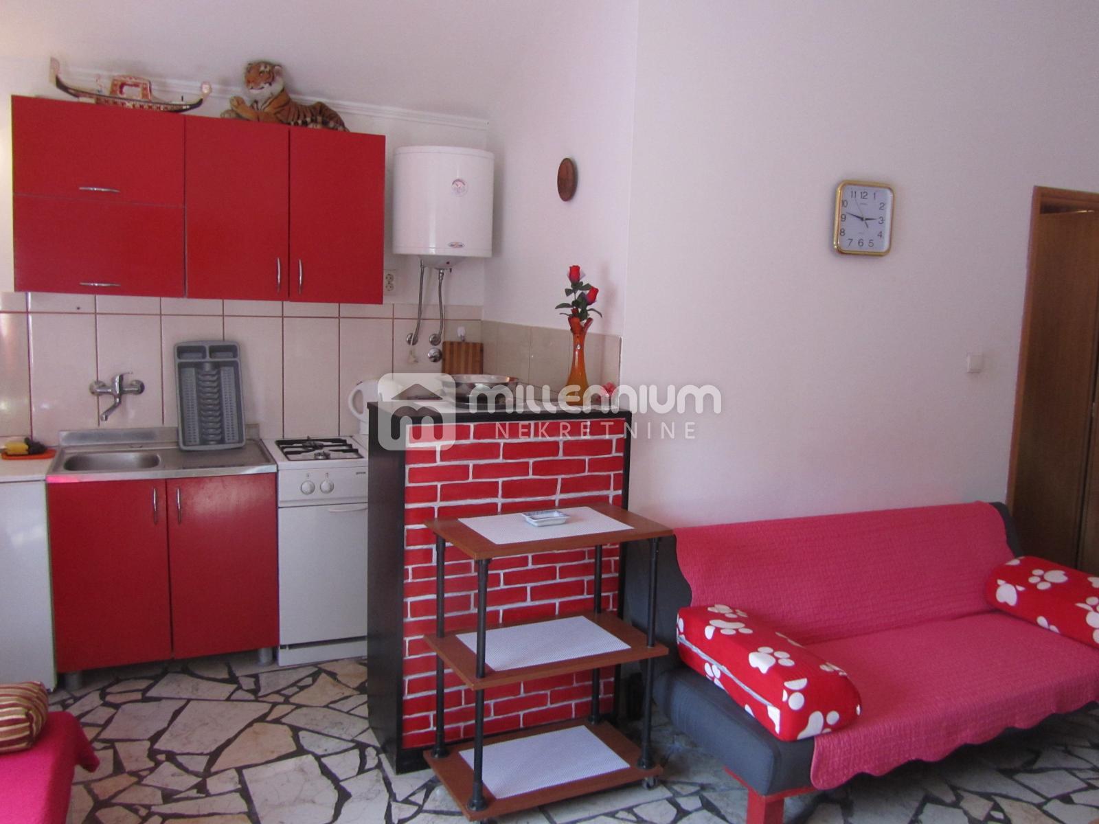 Novi Vinodolski, apartman s terasom, 45.000€/hrk