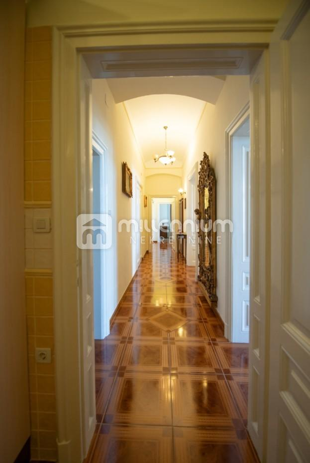 Najam, Opatija, luksuzan stan 1. red do mora