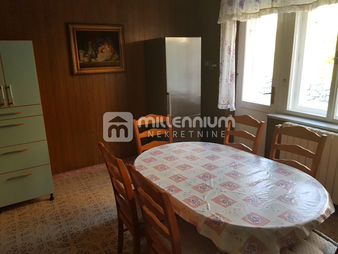 Matulji, Jušići, kuća od 420m2 poslovno stambene namjene