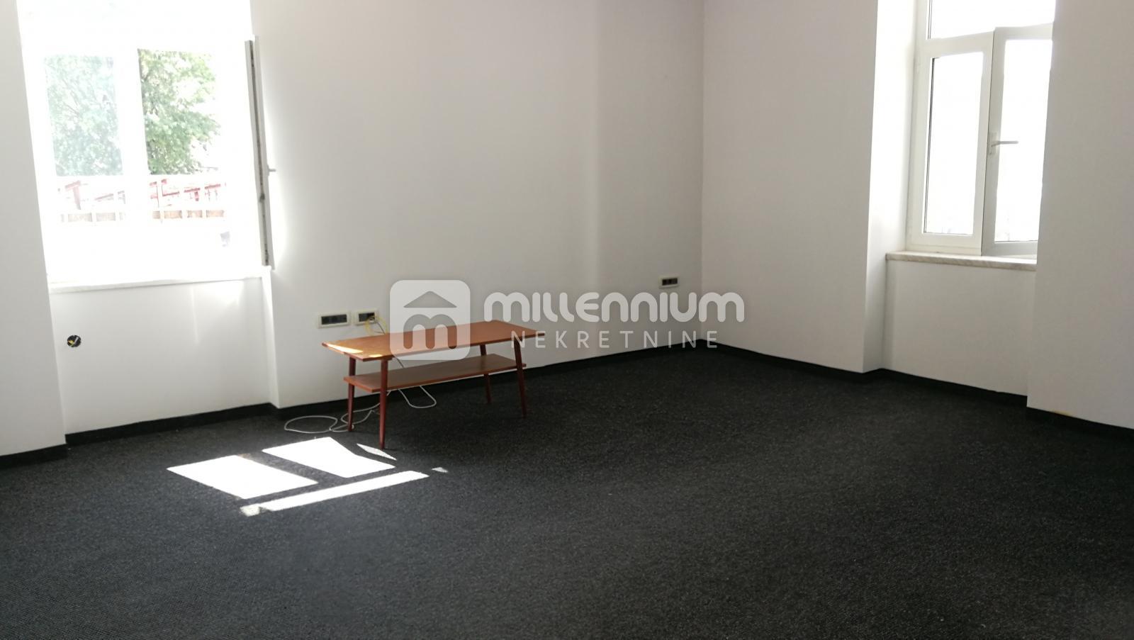 Rijeka, Centar, 50m2, 2-sobni stan za 41.500€/hrk