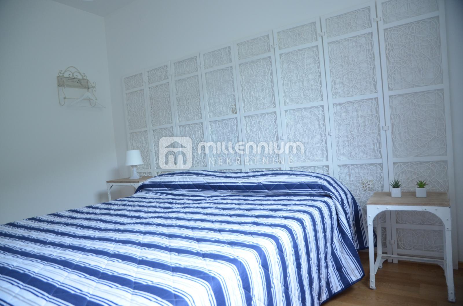 Senj, Sv. Juraj, apartman s 2 terase i parkingom