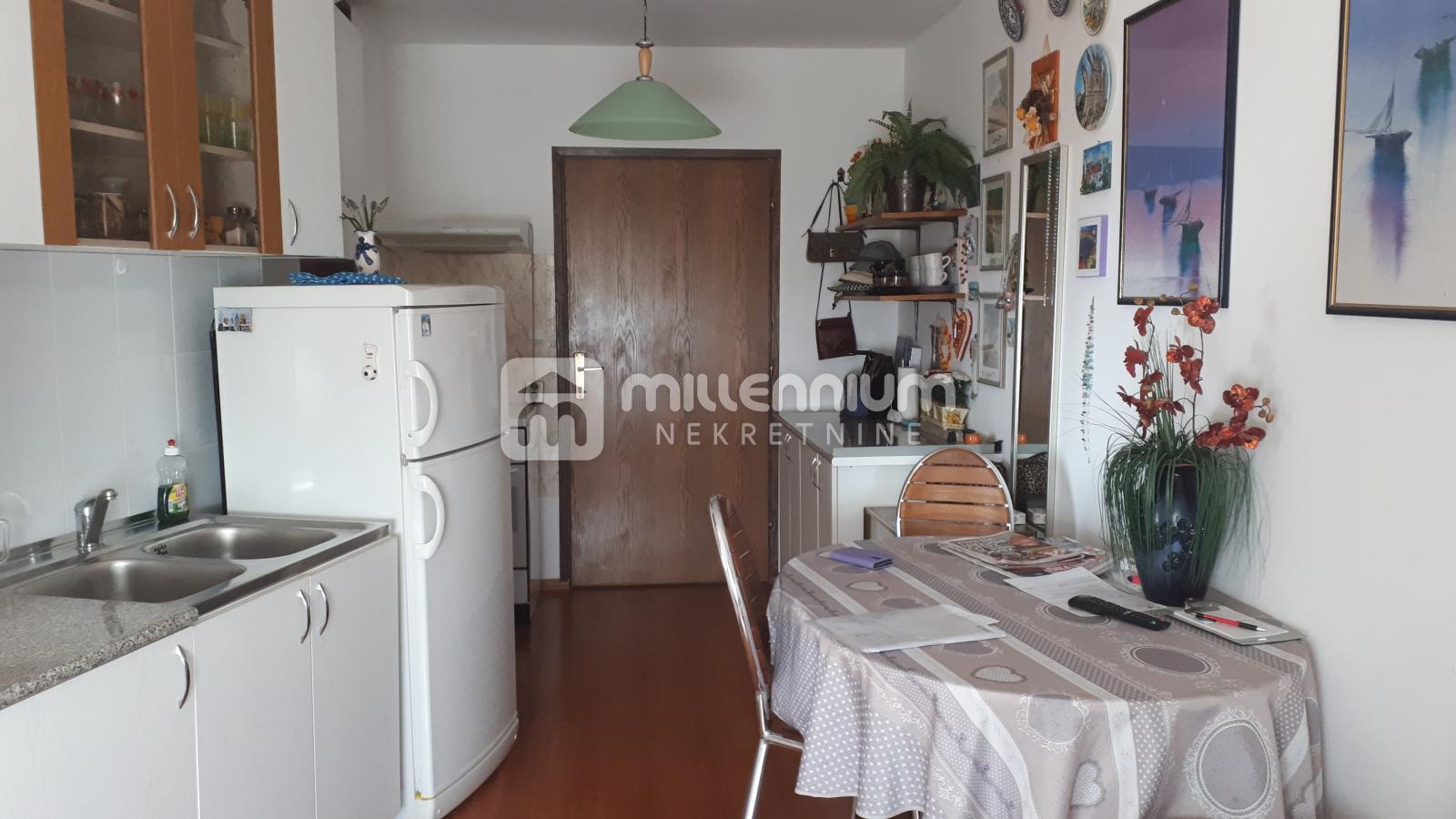 Crikvenica, 37.40m2, 1-sobni apartman s lođom