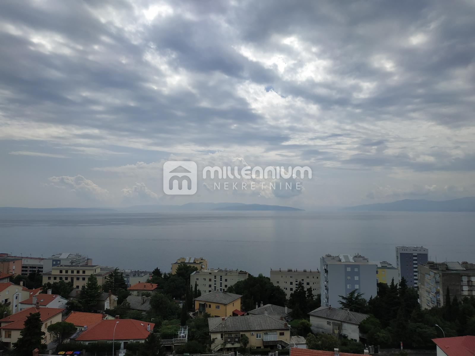 Rijeka, Krimeja, 2-sobni stan s db, 2 balkona