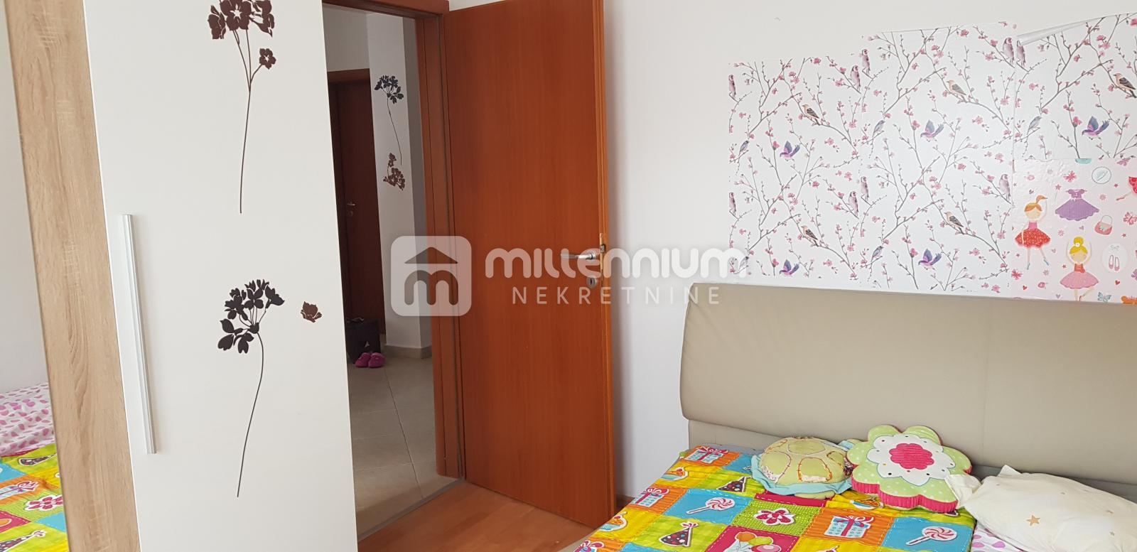 Viškovo, 2-sobni stan s dnevnim boravkom, 2 balkona