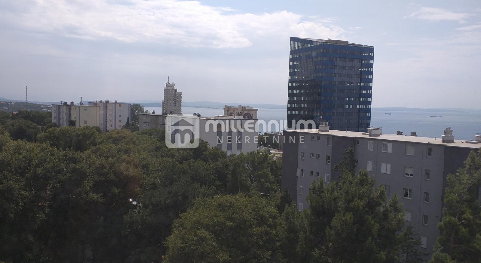 Rijeka, Donja Vežica, 2-sobni stan s balkonom