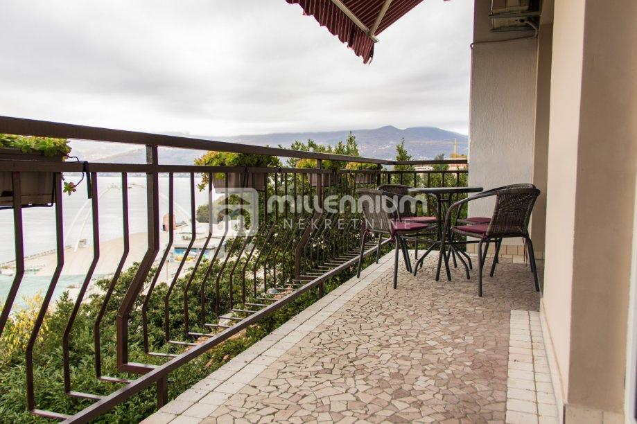 Rijeka, Kantrida, stan, 2s+db, balkon