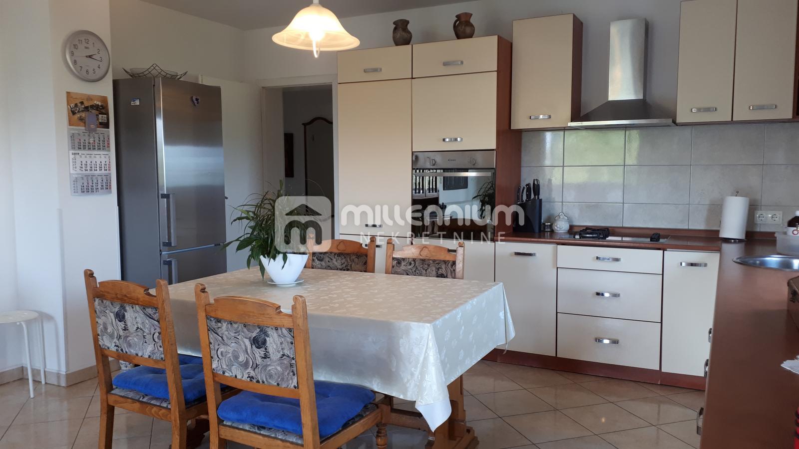 Otok Krk, 2 stana - 2s+db i studio apartman