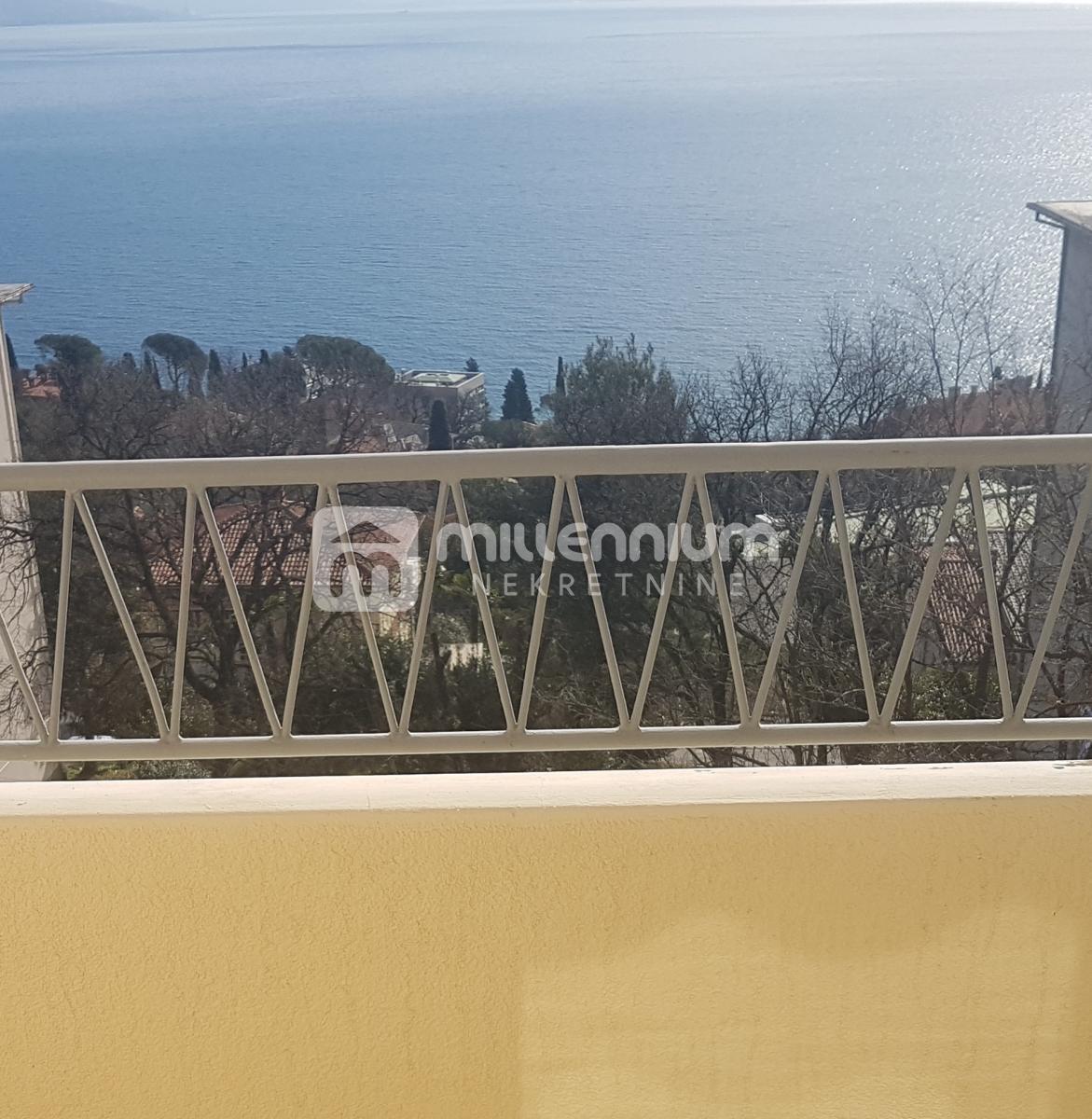 Opatija, 2-sobni stan, lođa + balkon