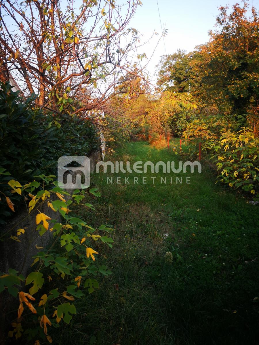 Kukuljanovo, pomoćni prostor od 41.88m2 s okućnicom