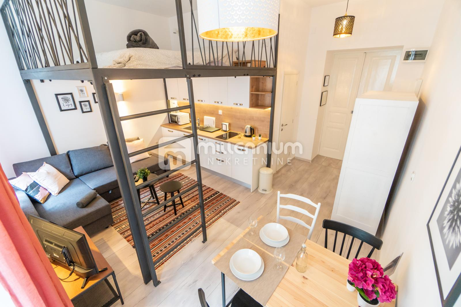 Rijeka, Centar, 3 novouređena apartmana