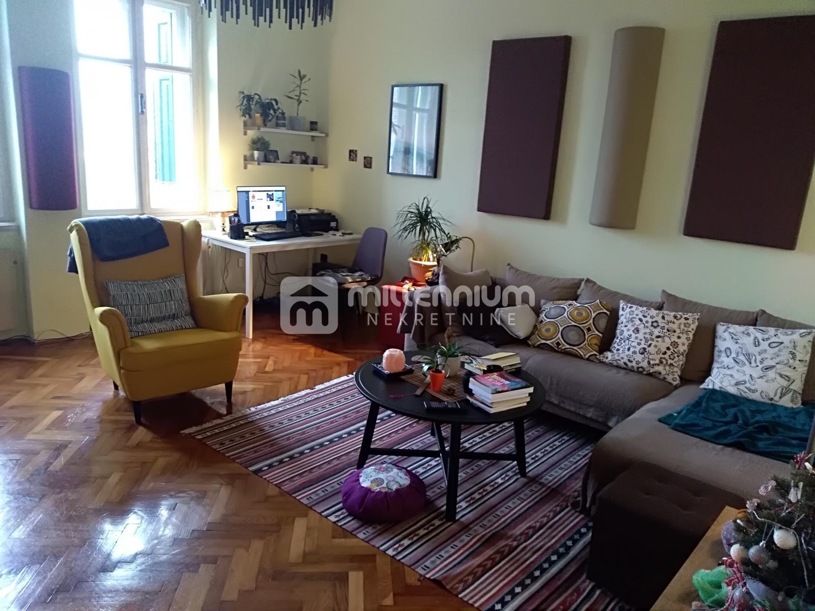 Rijeka, Bulevard, 3-sobni stan na atraktivnoj poziciji