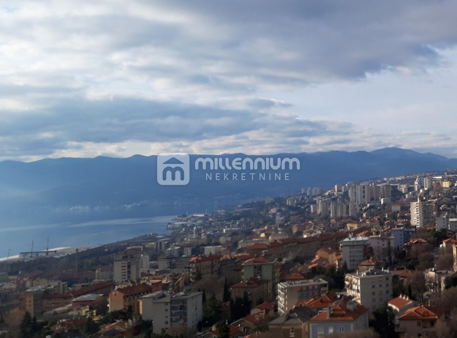 Rijeka, Kozala, 1-sobni stan, balkon, terasa, panoramski pogled