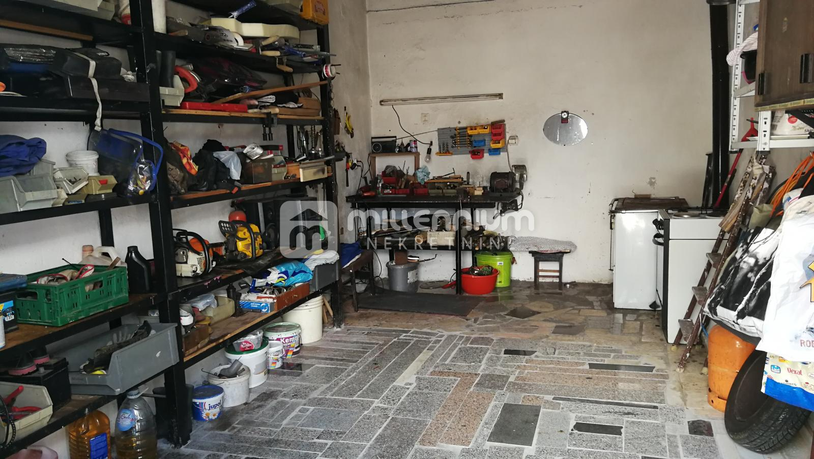 Mavrinci, 3-sobni stan s garažom