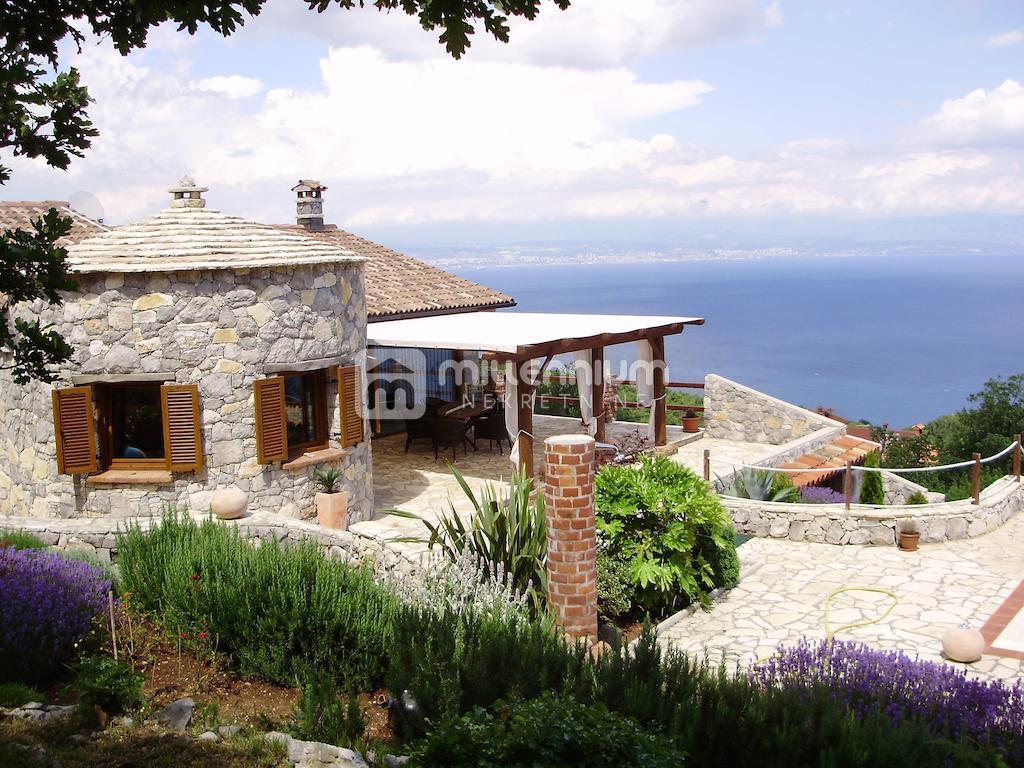 Opatijska rivijera, prekrasna vila s bazenom i panoramskim pogledom